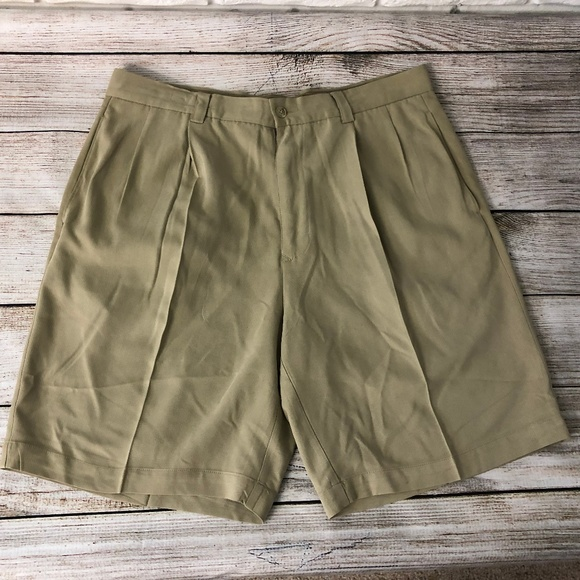 Other - Tommy Bahama sz 34 100% Silk Shorts Beige Pleated